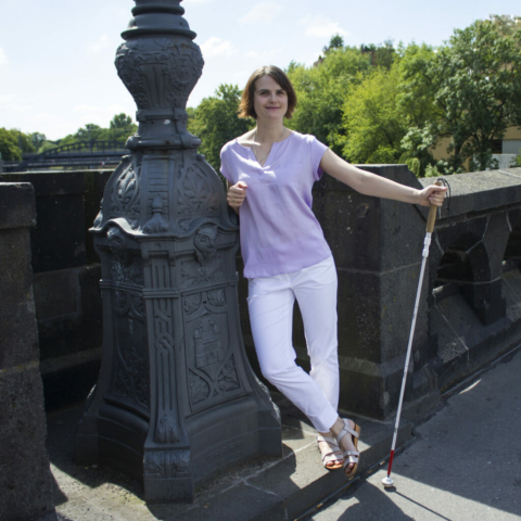 Lavinia Knop-Walling mit Langstock