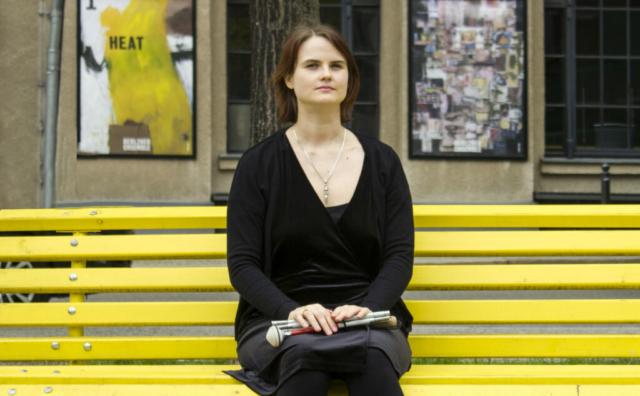 Lavinia vor dem Berliner Ensemble